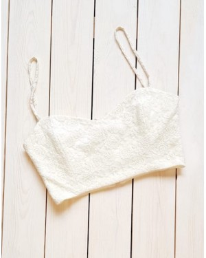 Noctiluca Flossy Crop Top in Off-white